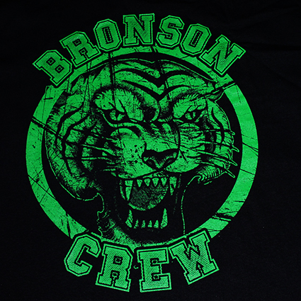 T-SHIRT (BLACK BRONSON CREW)+STICKER